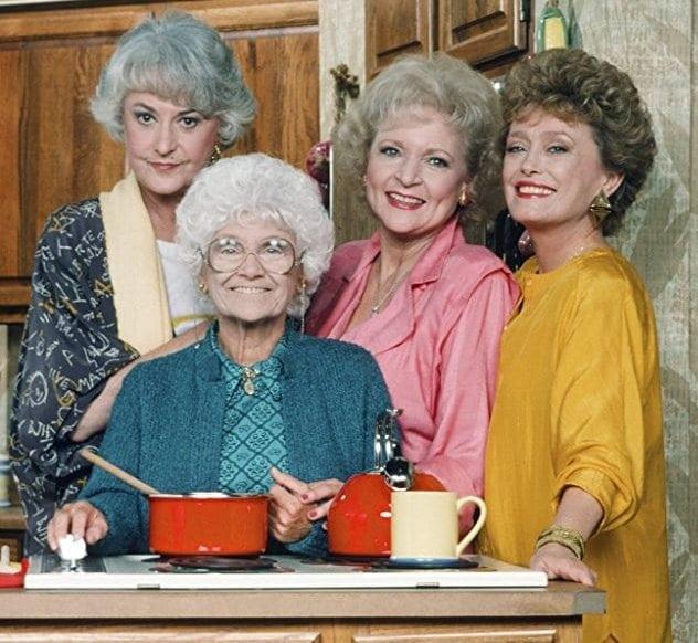 Golden-Girls-cast-kitchen